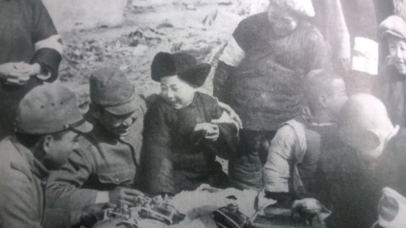 1937年12月20日林特派員撮影。『アサヒグラフ』諸王わ13年(1938年)1月19日号。